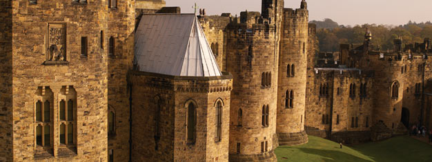 Experience the amazing landscape of the Borders Country, visit The Holy Island and explore Alnwick Castle used as Hogwarts in the Harry Potter. Book now!