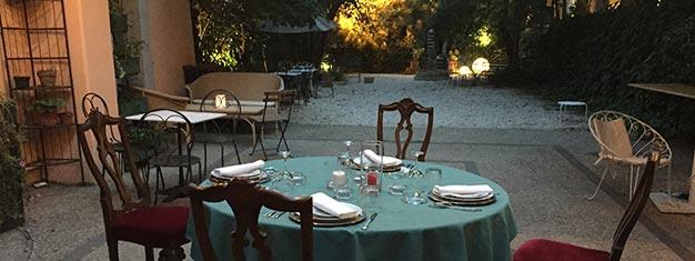 Sikre dig din plads på denne eksklusive tur rundt i det charmerende Trastevere-kvarter og nyd en lækker autentisk 4-retters italiensk middag. Bestil nu!