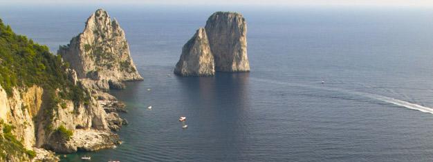 Njut av en exklusiv VIP heldagstur till Capri från Rom. Besök ön Capri och utforska den berömda Blå grottan (tillval). Boka biljetter redan idag!
