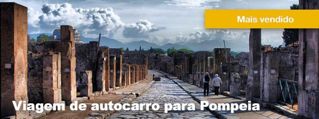 Este passeio de ônibus a Pompeia é uma viagem inesquecível de volta às ruínas e o apogeu da cidade, incluindo transporte, entradas e almoço. Reserve sua ida a Pompeia aqui!