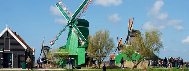 Visita el precioso campo Holandés. Ve el molino del pueblo Zaanse Schans, la antigua isla Marken y el pueblo pesquero de Volendam. Reserva aquí!