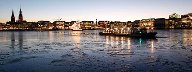 How about enjoying views of Hamburg in its winter cloak, seen from the water? Come on a trip on one of our Alster steamships. Book your tickets here!