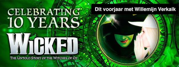 Beleef Wicked in London. Wicked heeft meer dan 100 awards gewonnen en is vanaf eind januari 2017 weer te zien met de Nederlandse actrice Willemijn Verkaik. Boek uw tickets online!