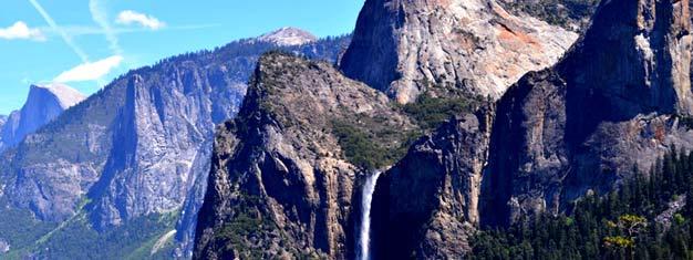 Tälläkokopäivän Yosemiten retkellä koet Yosemiten kansallispuiston ja jättiläismäiset mammuttipetäjät. Varaa retkesi tästä!