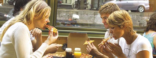Kjøp billetter til vårt pizzacruise og opplev Amsterdams berømte serverdigheter mens du reiser gjennom kanalene. Bestill billetter til vårt pizzacruise i Amsterdam her!