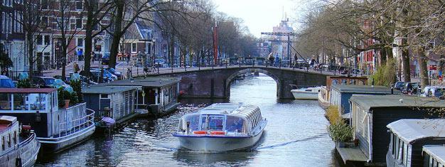 Visite guidée en bus combinée avec une ballade en bateau à Amsterdam,découvrez le meilleur de la ville et réservez votre visite en bateau ici!
