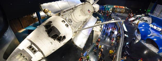 Nyd en heldagstur til Kennedy Space Center! Transport er inkluderet! Oplev hvordan det er at være en rigtig astronaut, bestil dine billetter online!