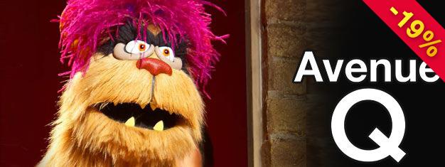 Oplev musicalkomedien Avenue Q på Broadway! Muscialen kombinerer skuespillere og dukker i et hyldende skægt show! Bestil billetter allerede i dag!