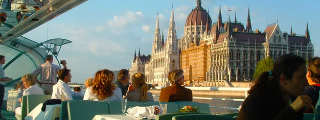 Take a 3 hour sightseeing tour around Budapest and experience all the major sights. Incl. a boat ride on the Danube + a free soft drink. Book tickets here!