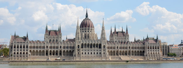 Experience Buda, the western side of the Danube River of Budapest on this two hour sightseeing tour. On this tour you'll see the highlights. Book your tour i Buda now!