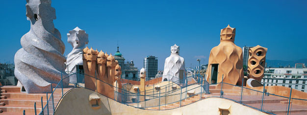Enjoy a guided tour to Gaudi's best work in Barcelona Admire Sagrada Familia & visit Park Güell. See La Pedrera from the outside. Buy here!