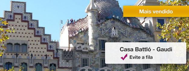 Passe direto pela fila de uma das obras-primas mais procuradas de Gaudí - a Casa Batlló! Reserve online e aproveite seu tempo, inclui audioguia!