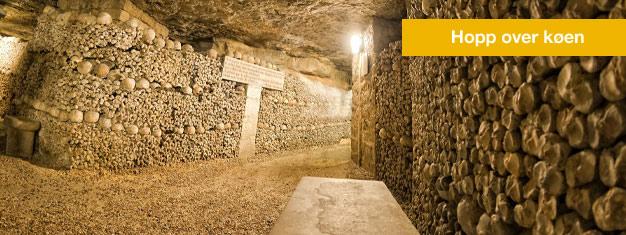 Slipp køen til katakombene i Paris og gå gjennom tuneller laget av knokler på denne guidede turen. Bestill billetter til katakombene i Paris her!