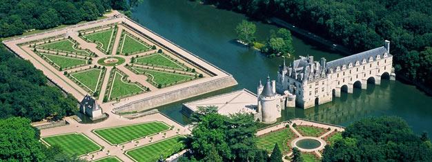 Dagsutflykt från Paris till Loiredalen och dess tre mest berömda slott. Se Leonardo da Vincis begravningsplats. Hotelltransfer och lunch ingår!