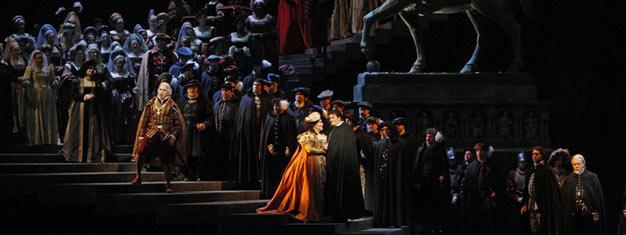 Ernani er Verdis mest populære opera og er kærlighedshistorien om Ernani og Elvira, hvis forhold går meget igennem. Ernani spiller nu på the Met i New York.