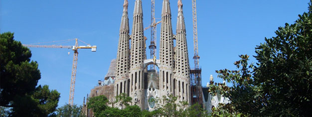 Explore Sagrada Familia on this 2-hour tour! Discover Gaudi's unfinished masterpiece in Barcelona! Skip the line with your guide. Book your tour online!