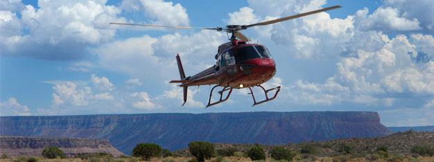 Koe häikäisevä Grand Canyon kokopäiväkierroksella sisältäen helikopteriajelun, veneristeilyn sekä Skywalkin! Varaa retkesi täältä!