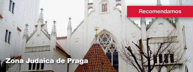 A excursão à Zona Judaica de Praga é uma excursão guiada pelo interessante e verdadeiro quarteirão judeu em Praga. Compre os bilhetes aqui!