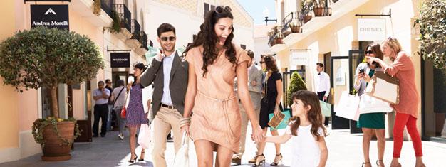 Ahorra hasta un 60% en marcas famosas en el popular outlet de compras La Roca Village fuera de Barcelona! Reserva tus entradas en línea!