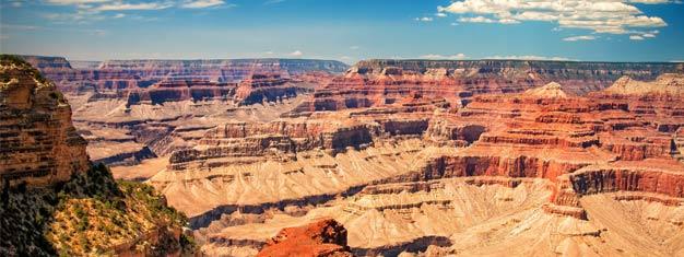 Opplev Grand Canyon, det geologiske underet, som enkelt og greit må oppleves i virkeligheten. Det kommer til å være en tur som du aldri glemmer. Book turen din i dag!