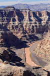 Grand Canyon West Rim -kierros Sis. helikopterin, veneen & Skywalkin