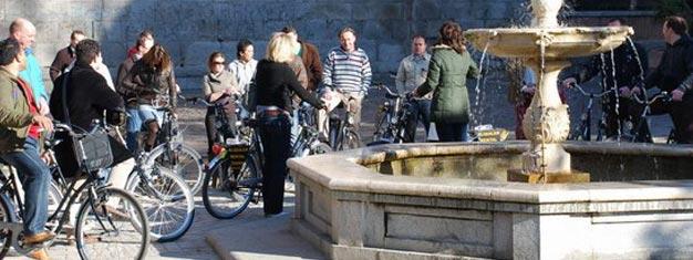 La visite de Madrid à vélo est une excellente et unique manière de voir et  découvrir Madrid. Les billets pour la visite de Madrid à Vélo peuvent être réservés ici!