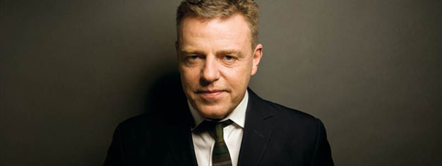 Suggs: My Life Story in Words and Music i London skal opleves, da det ikke kan forklares. Bestil billetter til Suggs: My Life Story in Words and Music i London her!