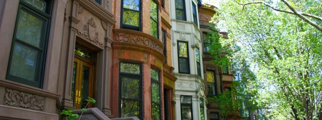 Visitez le quartier célèbre de Brooklyn, les monuments principaux ainsi que les endroits où ont été tournés de nombreux films mythiques. Un délicieux déjeuner est inclus! Réservez votre visite de Brooklyn ici!