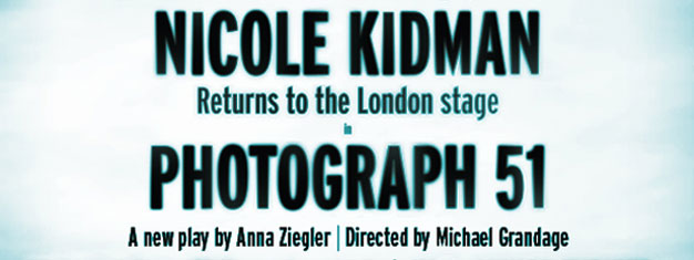 Forestillingen Photograph 51 kigger på Rosalind Franklin, kvinden der knækkede koden til DNA. Nicole Kidman spiller den kvindelige videnskabsmand. Bestil billetter her!