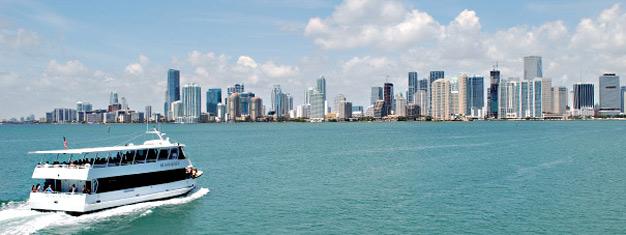 Besøg Miami og South Beach på denne heldagstur fra Orlando. Nyd et cruise og se de kendtes hjem & udforsk skønne South Beach. Bestil din tur online!