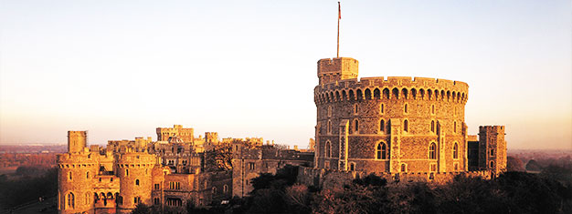 Hop ombord på hurtig bussen fra London til Windsor. Udforsk Windsor Castle i dit eget tempo med en gratis audioguide. Køb dine billetter her!